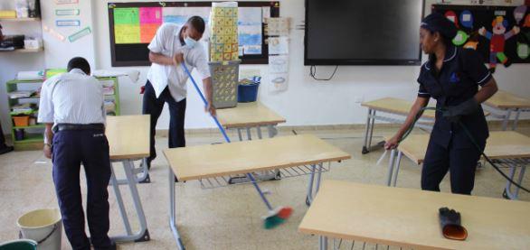 Avanza la jornada de limpieza en nuestro colegio