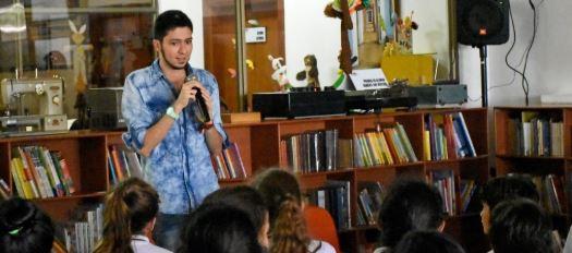 """""""Un escritor en la escuela"""": Juan Fernando Jaramillo"""