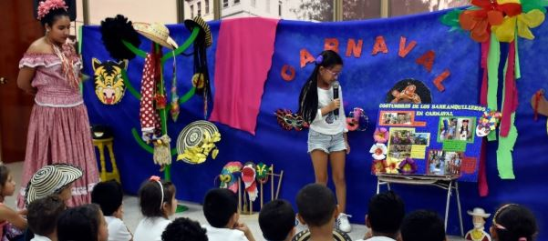 Carnaval Bicultural en la Biblioteca