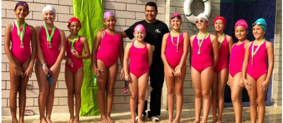 Destacada participación de nuestro colegio en festival de natación