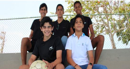 Estudiantes de nuestro colegio participaron en torneo de fútbol en España