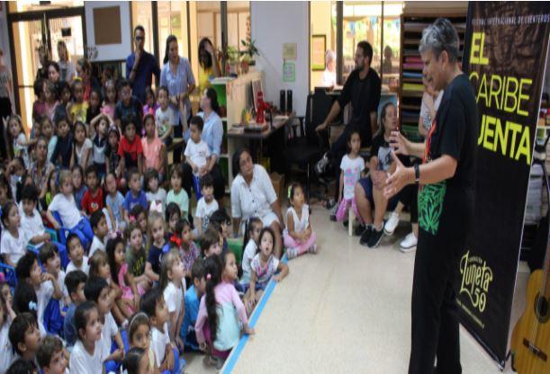 Die Geschichtenerzähler verzaubern unsere Schule