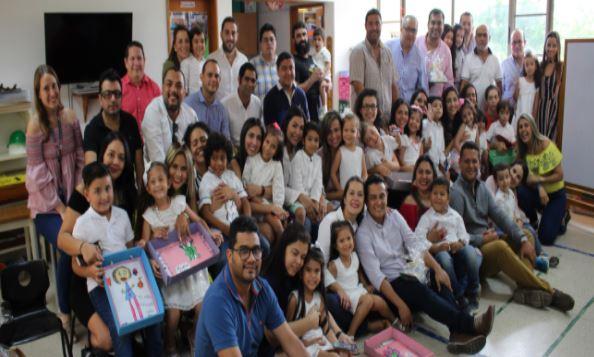 Nuestros niños y sus padres disfrutaron del Día de la Familia