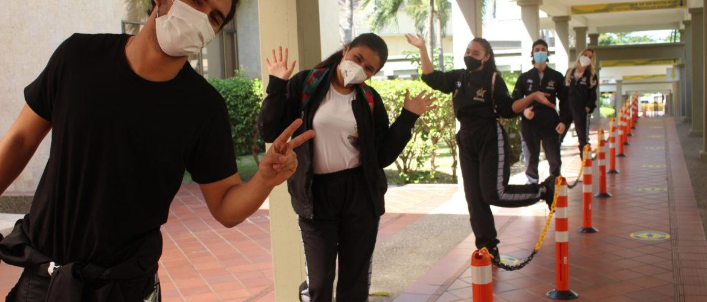 Nuestro colegio le dio una calurosa bienvenida a la Klasse 12 en su retorno al colegio