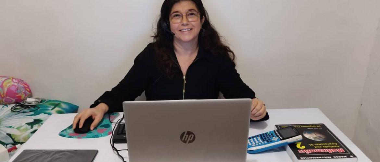 """""""Cuando los estudiantes observan que la organización es de calidad y te ofreces como ejemplo, el camino se hace más libre"""": Alcira Martínez (Docente de Secundaria)"""