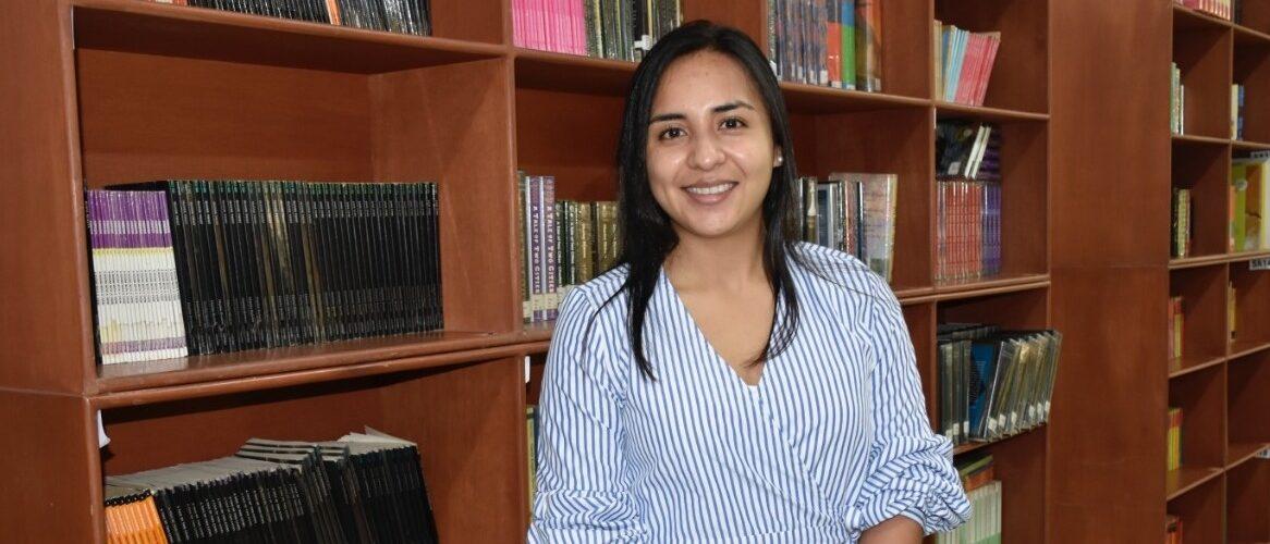 María Alejandra Parra asumió como nueva bibliotecóloga de nuestro colegio